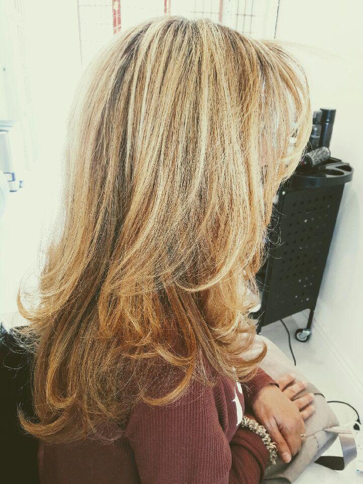 blow- dry- hair plus-